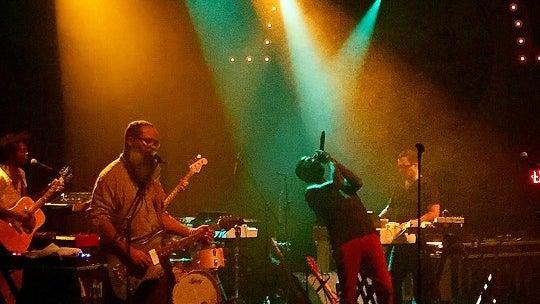 Person, Human, Musician, Musical Instrument, Crowd, Guitar